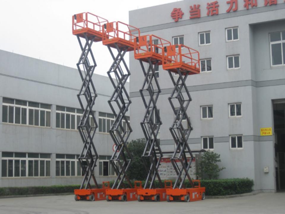 Thang nâng điện cắt kéo