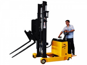 Electric Reach Stacker with Tilting Forks