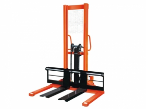 CTY-EW Straddle Leg Hand Stacker